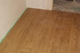 Laminált padló vágása