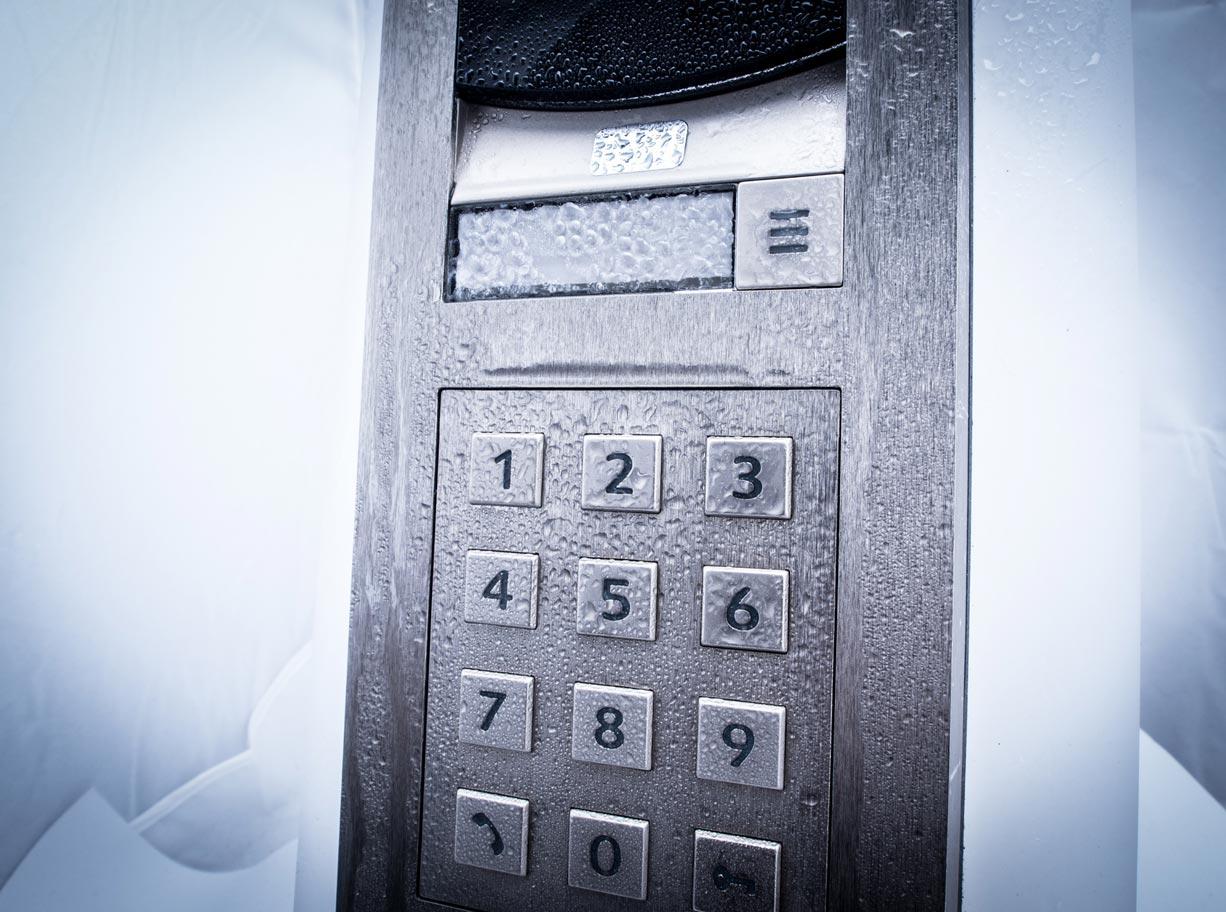 2N kaputelefon