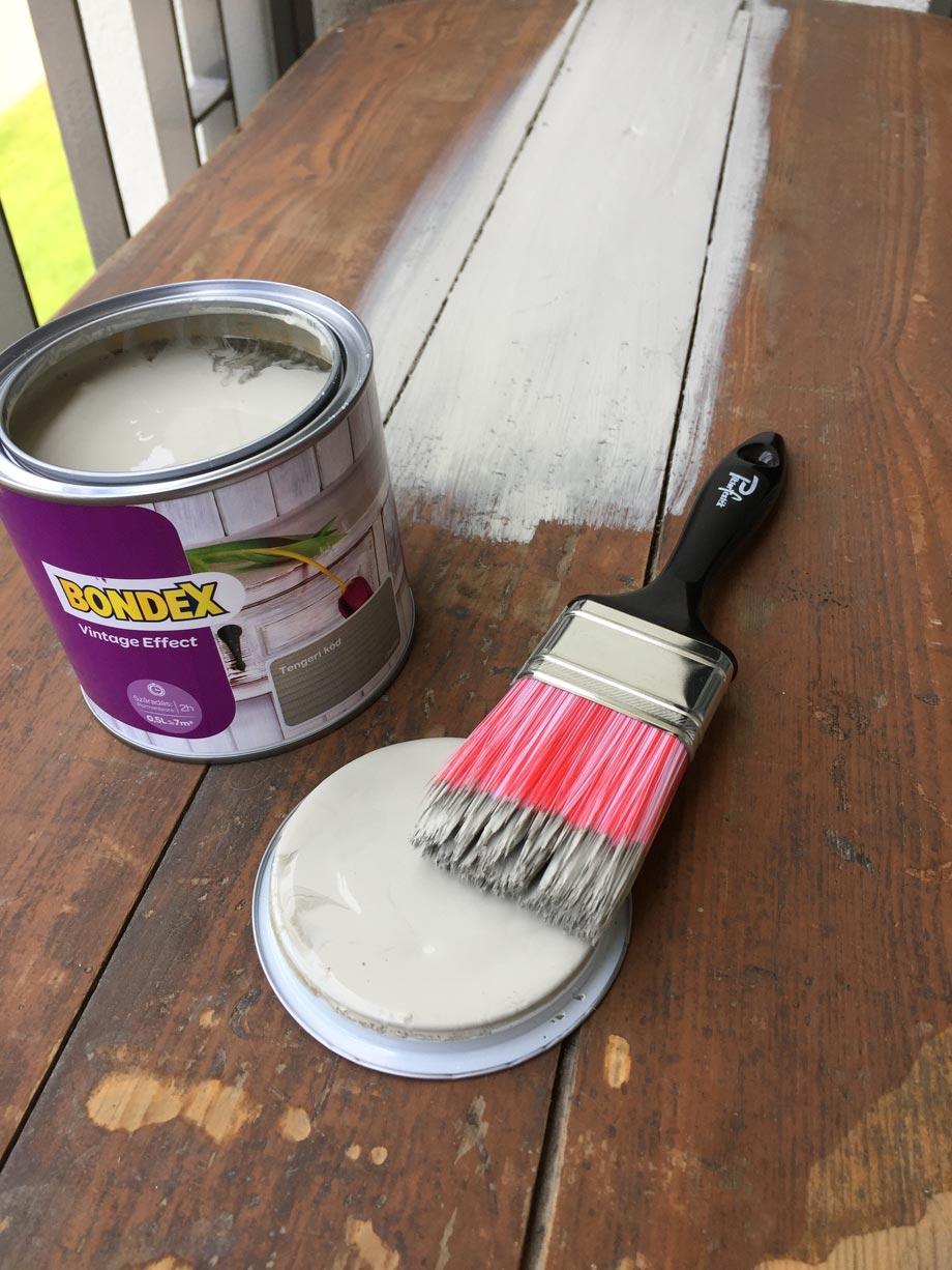 Láda átalakítása Bondex festékkel