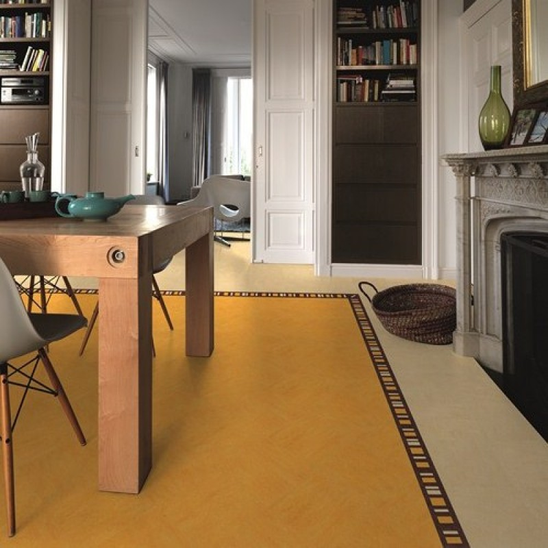 Marmoleum burkolat a nappaliban