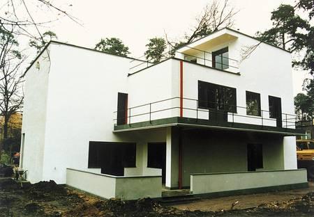 Bauhaus st lus az r kz ld homeinfo for Architecture bauhaus