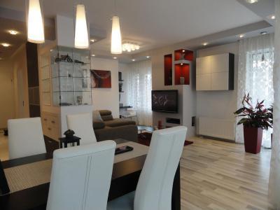 Budai lakás - Modern étkező nappalival egybenyitva - konyha / étkező ötlet, modern stílusban