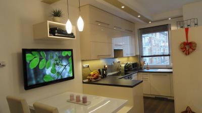 Kis konyha nagy kényelem - Kisméretű modern konyha étkezőpulttal - konyha / étkező ötlet, modern stílusban