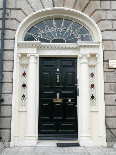 Bejáratok14 - bejárat ötlet, klasszikus stílusban