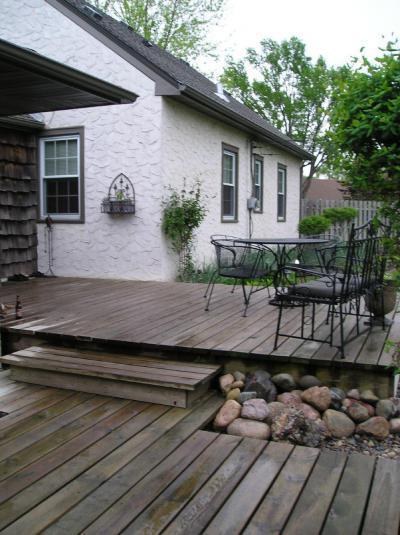 Terasz a ház előtt - kert / udvar ötlet, klasszikus stílusban