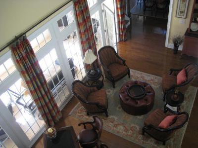 Klasszikus bőrfotelek a nappaliban - nappali ötlet, klasszikus stílusban