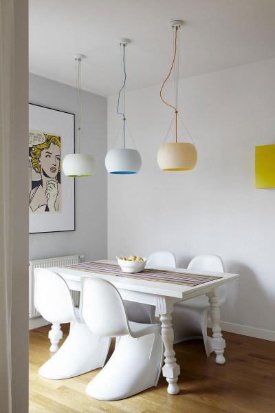 Színes csillárok a középpontban - konyha / étkező ötlet