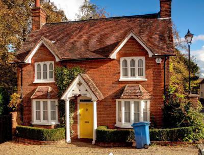 Tégla burkolatos ház - homlokzat ötlet