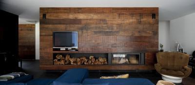 Kandalló a falban - nappali ötlet