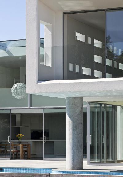 üveg és beton - erkély / terasz ötlet, modern stílusban