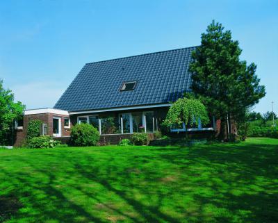 CREATON MAGNUM kerámia tetőcserép NUANCE palaszürke engóbozott - tető ötlet, modern stílusban