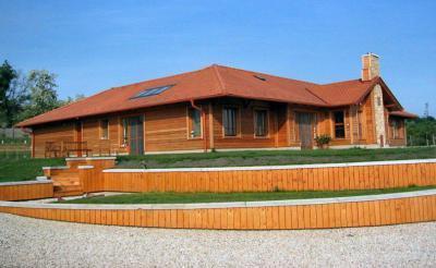 Családi ház homlokzata - homlokzat ötlet, rusztikus stílusban