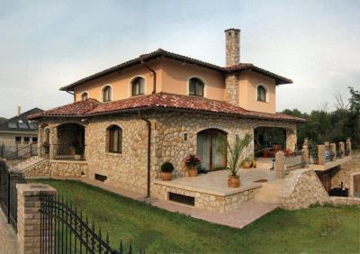 Családi ház homlokzata - homlokzat ötlet