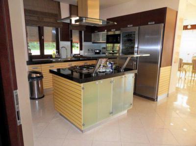 Családi ház belső tere - konyha / étkező ötlet, modern stílusban