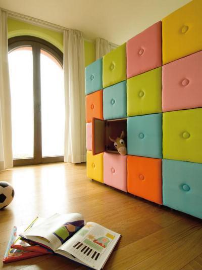 Trendi színes szekrény - gyerekszoba ötlet, modern stílusban