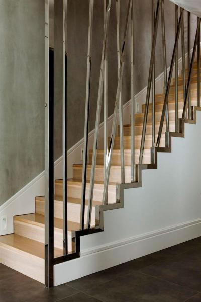 Pazar lépcsőkorlát fémből - belső továbbiak ötlet, minimál stílusban