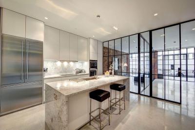 loftlakás - konyha / étkező ötlet, modern stílusban