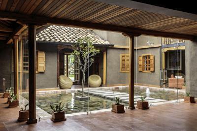belső kert - erkély / terasz ötlet, mediterrán stílusban