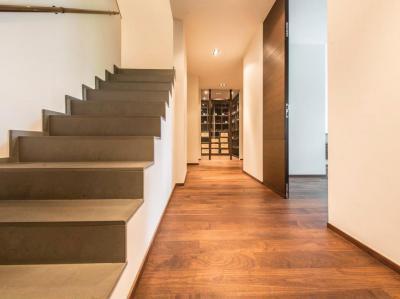 Lépcső felfelé - belső továbbiak ötlet, modern stílusban