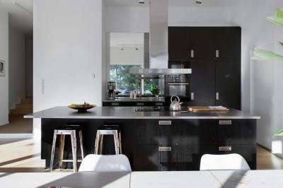 skandináv lakás - konyha / étkező ötlet, modern stílusban