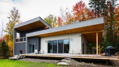 Könnyűszerkezetes ház - erkély / terasz ötlet, modern stílusban
