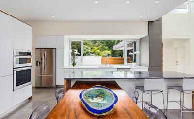 Modern allwhite konyha - konyha / étkező ötlet, modern stílusban