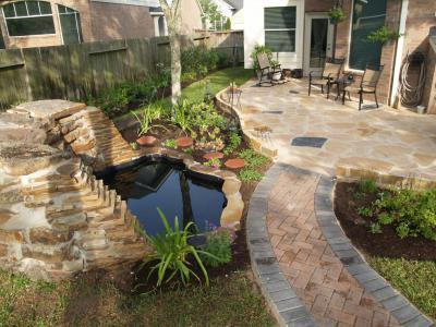 Kerti tó terméskövekből létrehozva - kert / udvar ötlet, modern stílusban