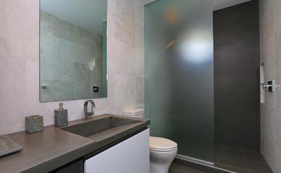Tejüveg zuhanykabin - fürdő / WC ötlet, modern stílusban