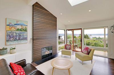 Kandalló fa falburkolattal - nappali ötlet, modern stílusban