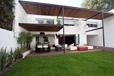 Fedett terasz - erkély / terasz ötlet, modern stílusban