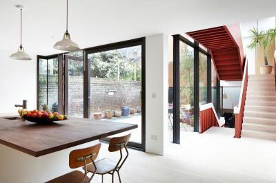 Hangsúlyos lépcső - belső továbbiak ötlet, modern stílusban