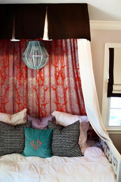 Marokkói ihletésű baldachinos ágy  - háló ötlet, klasszikus stílusban