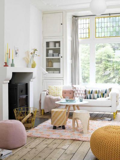 Fagylaltszínű kiegészítők - nappali ötlet, modern stílusban