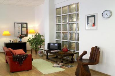 Különleges faragott szék - nappali ötlet