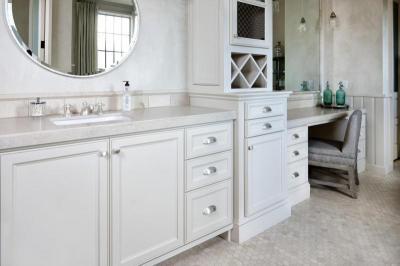 Fehér fürdőszoba - fürdő / WC ötlet, klasszikus stílusban