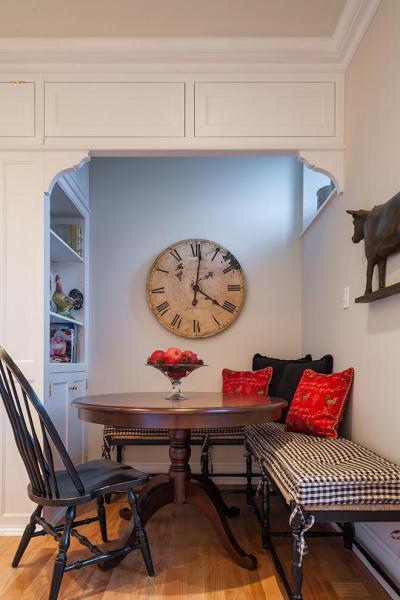 antikolt óra az étkezőben - konyha / étkező ötlet, klasszikus stílusban