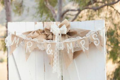 Esküvői dekoráció - kert / udvar ötlet, rusztikus stílusban