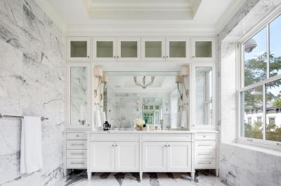 Márványos fürdőszoba - fürdő / WC ötlet, klasszikus stílusban