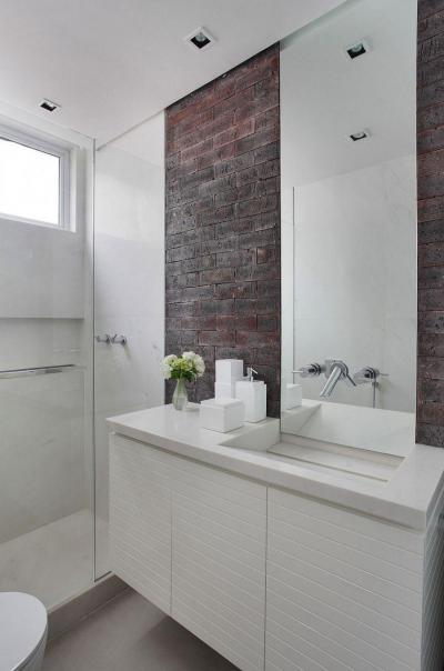 Téglafallal hangulatosan - fürdő / WC ötlet, modern stílusban