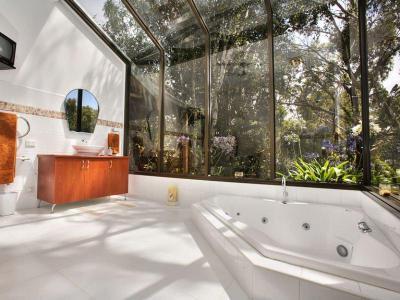 Óriási ablakok1 - fürdő / WC ötlet, modern stílusban