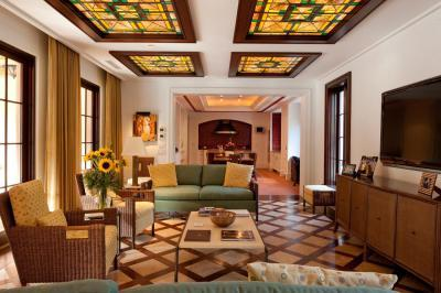 Spanyol nappali - nappali ötlet, modern stílusban