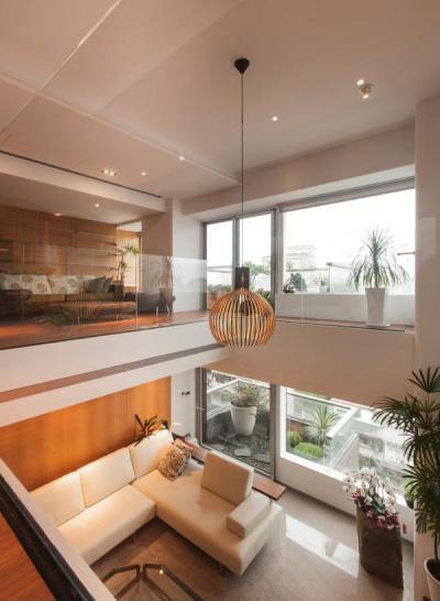 Természetes és modern dekoráció - nappali ötlet, modern stílusban
