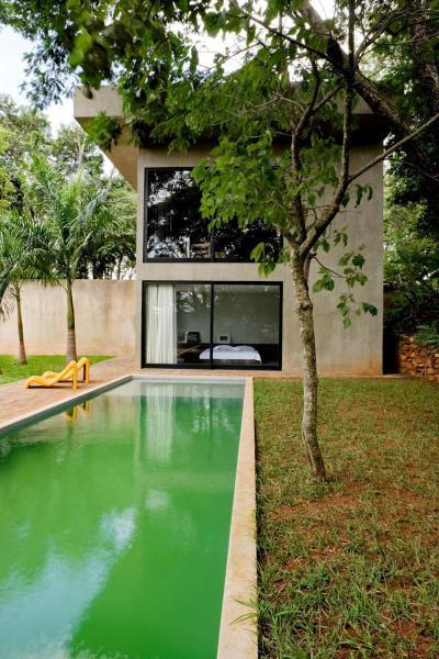 Modern lakóház - medence / jakuzzi ötlet, modern stílusban