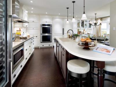 Nagy, elegáns konyha - konyha / étkező ötlet, modern stílusban