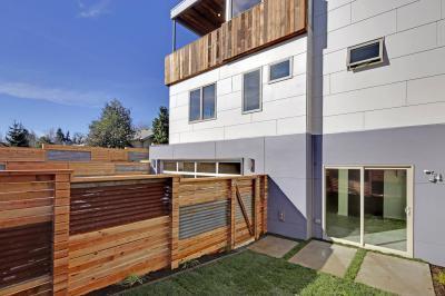 Fakerítés - kerítés ötlet, modern stílusban
