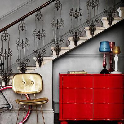 klasszikus lépcsőház modern stílusban - előszoba ötlet