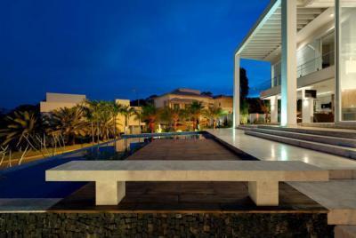 Terasz medencével - erkély / terasz ötlet, modern stílusban
