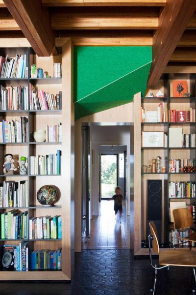 Könyvtárolás - belső továbbiak ötlet, modern stílusban