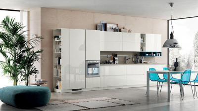 Fehér magasfényű konyha - konyha / étkező ötlet, modern stílusban