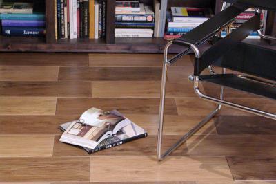 AMAZONAS fahatású csempe - nappali ötlet, modern stílusban
